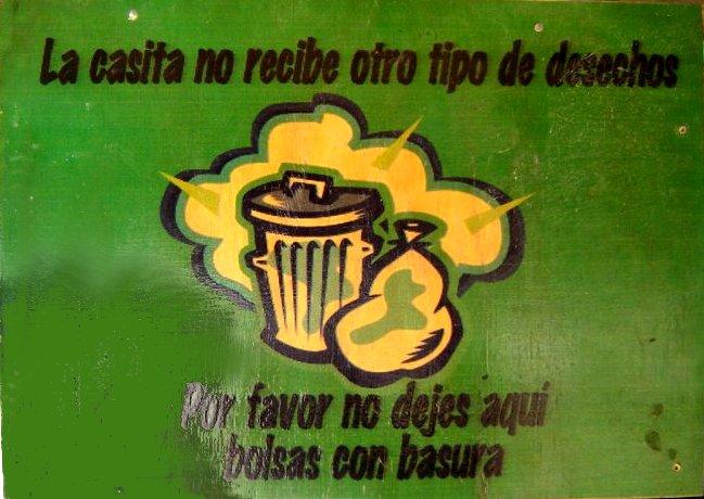 Letrero no dejes bolsas con basura