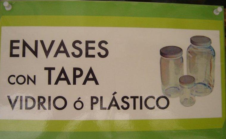 envases de vidrio o plástico con tapa